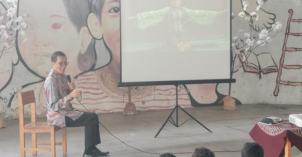 Guest Speaker: Didik Nini Thowok